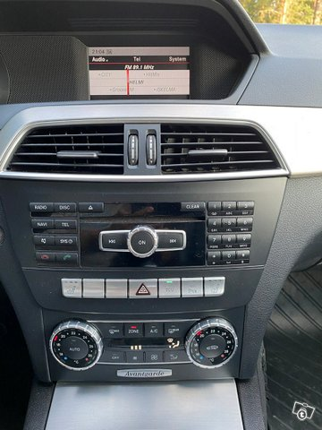 Mercedes-Benz C-sarja 15