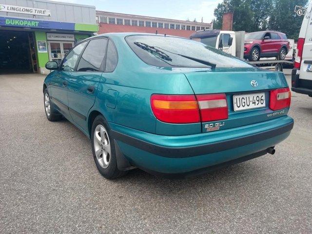 Toyota Carina 5