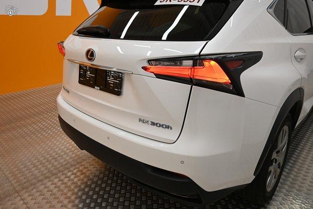 Lexus NX 8