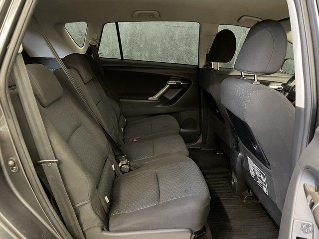 Toyota Verso 10