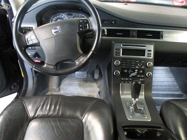Volvo XC70 12