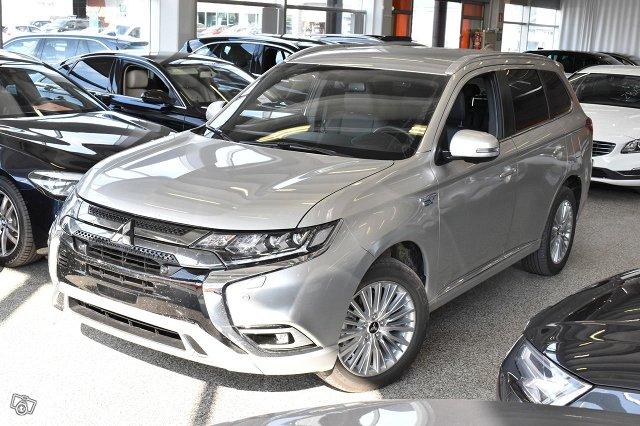 Mitsubishi Outlander PHEV 1