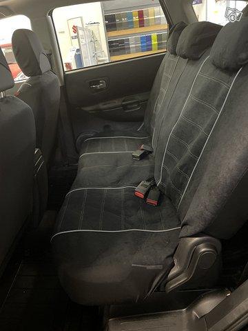 Nissan Qashqai+2 5