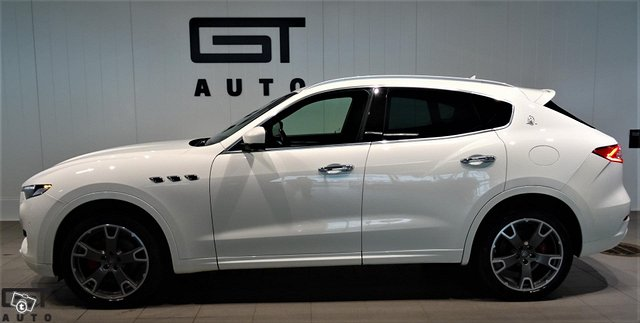 Maserati Levante 2
