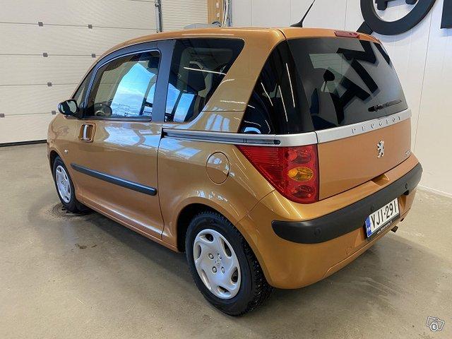Peugeot 1007 3