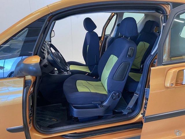 Peugeot 1007 6