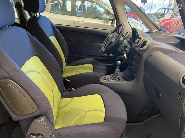 Peugeot 1007 9