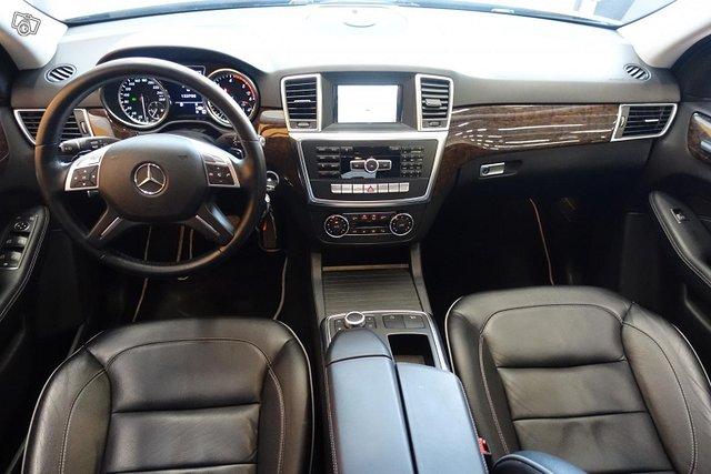 Mercedes-Benz ML 11