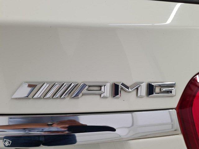 Mercedes-Benz GLA 45 AMG 6