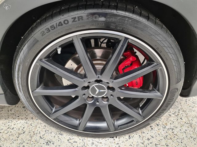 Mercedes-Benz GLA 45 AMG 17