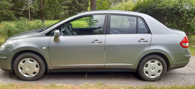 Nissan Tiida, kuva 1