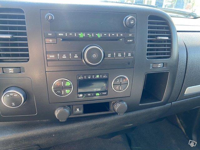 Chevrolet Silverado 14