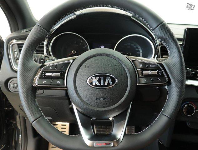 Kia ProCeed 10
