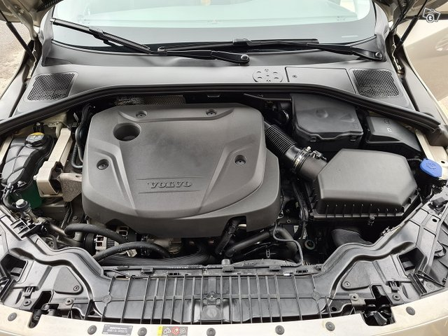 Volvo S60 16
