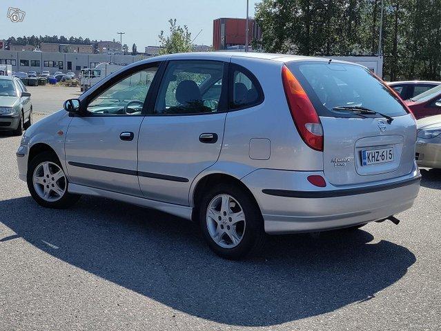 Nissan Almera Tino 4
