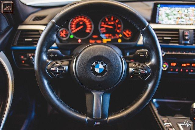 BMW 335 23