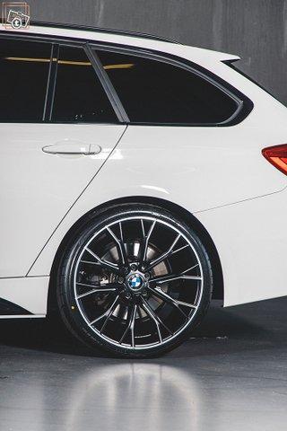 BMW 335 25