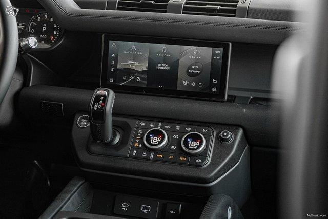 Land Rover Defender 15
