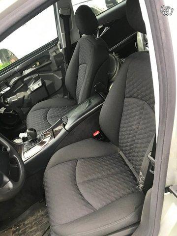 Mercedes-Benz E 220 4