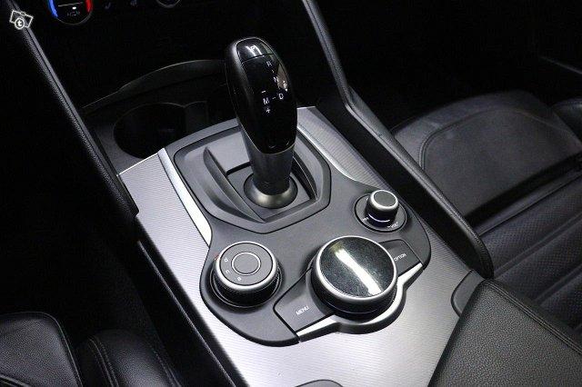 Alfa Romeo Giulia 18