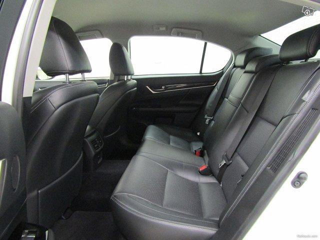 Lexus GS 22