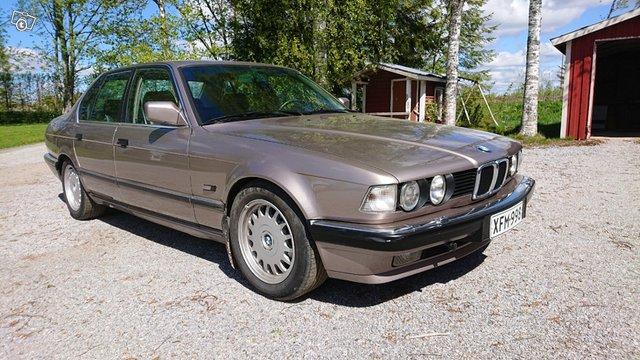 BMW 7-sarja, kuva 1