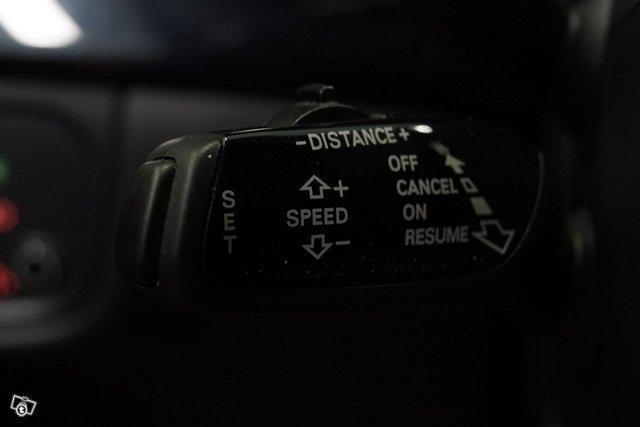 Audi A8 21