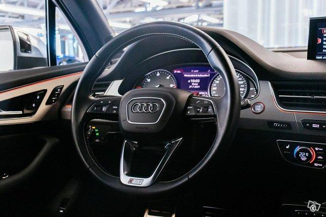 Audi SQ7 9