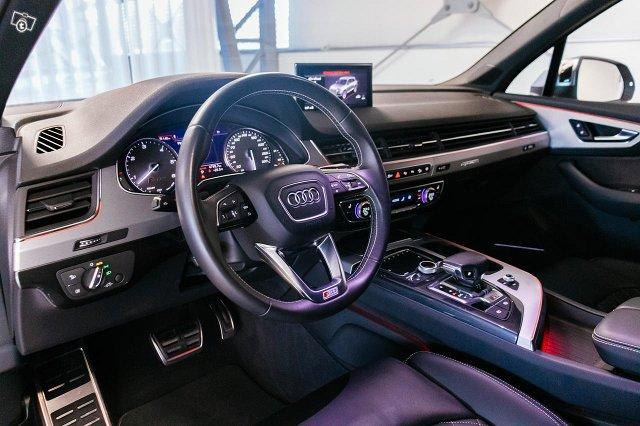 Audi SQ7 10