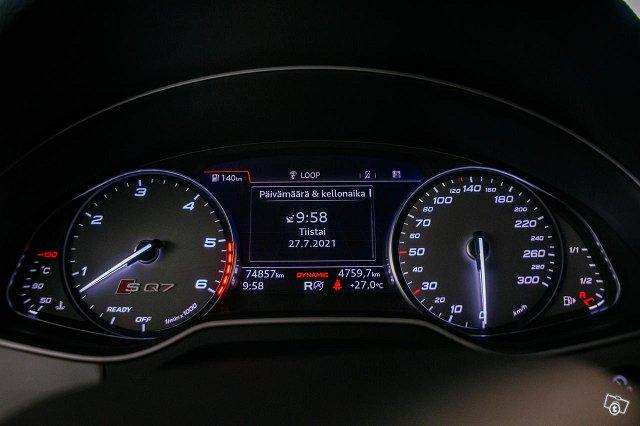 Audi SQ7 12