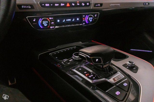 Audi SQ7 13