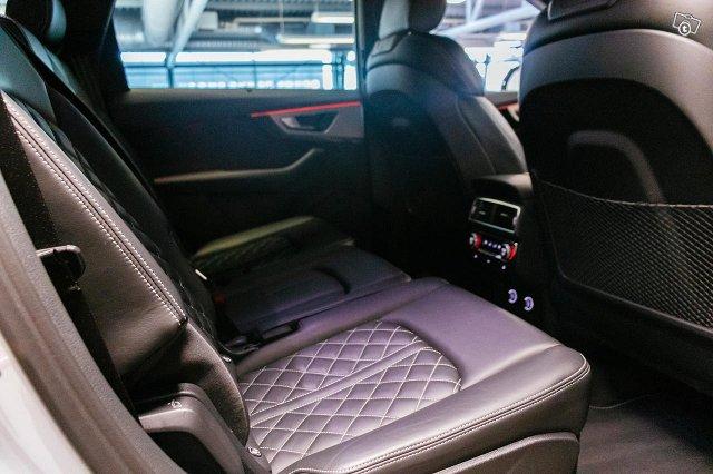 Audi SQ7 21