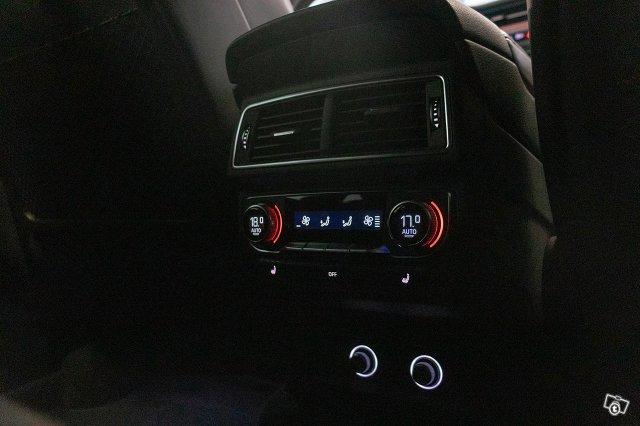 Audi SQ7 23