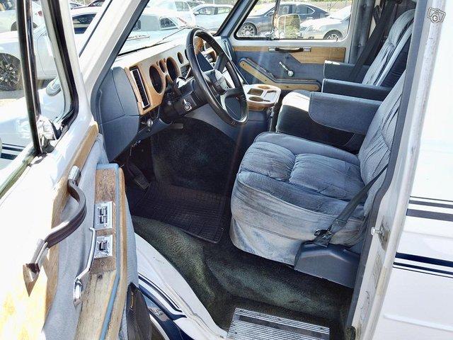 Chevrolet Chevy Van G20 19