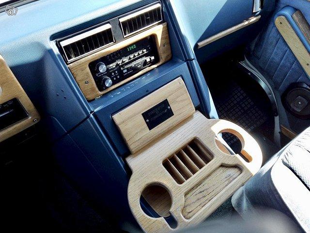 Chevrolet Chevy Van G20 21