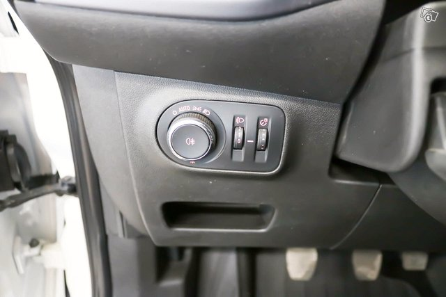 Opel Corsa 11