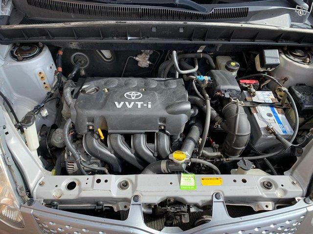Toyota Yaris Verso 9
