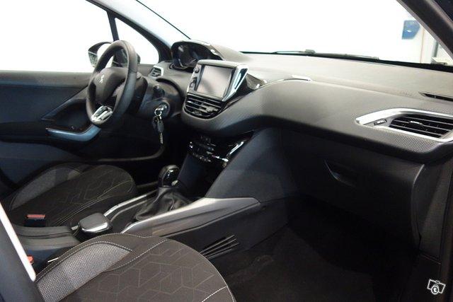 Peugeot 2008 11
