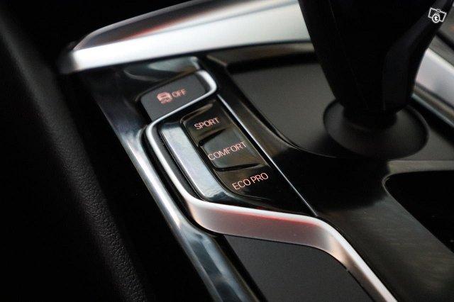 BMW 5-SARJA 25