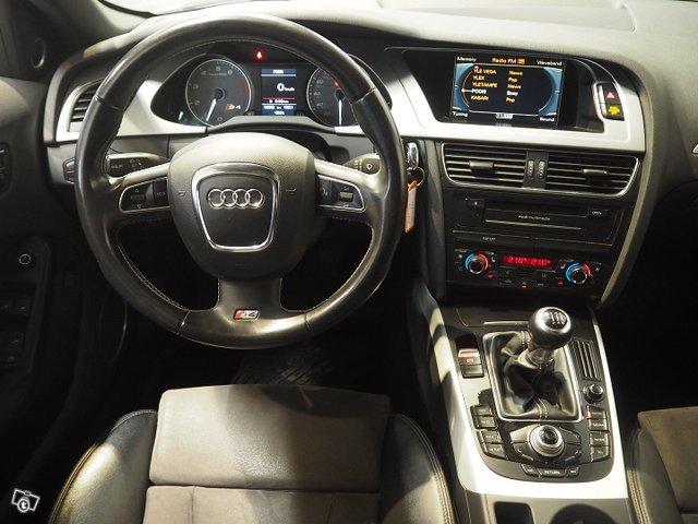 Audi S4 9