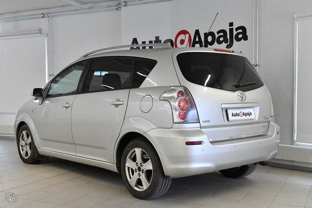 Toyota Corolla Verso 3
