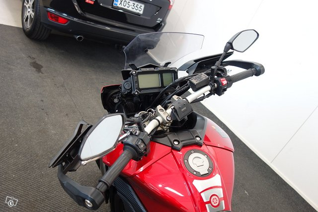 Yamaha MT-09 7