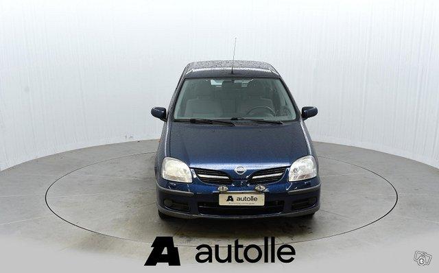 Nissan Almera Tino 2