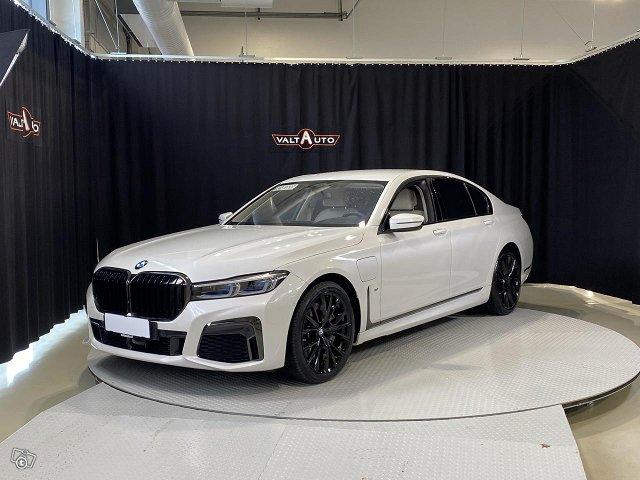 BMW 745, kuva 1