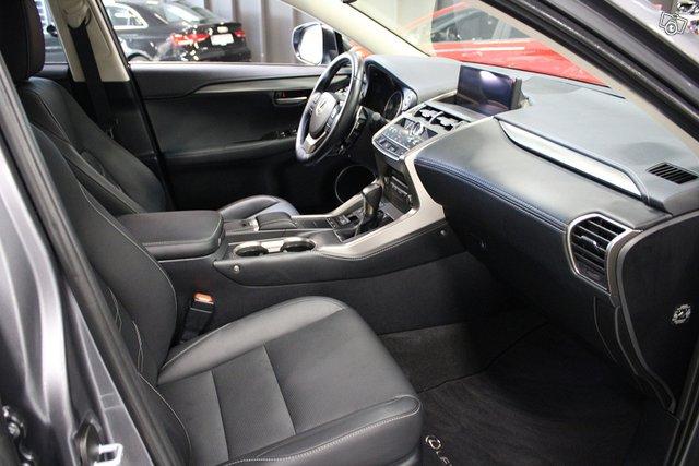 Lexus NX 7