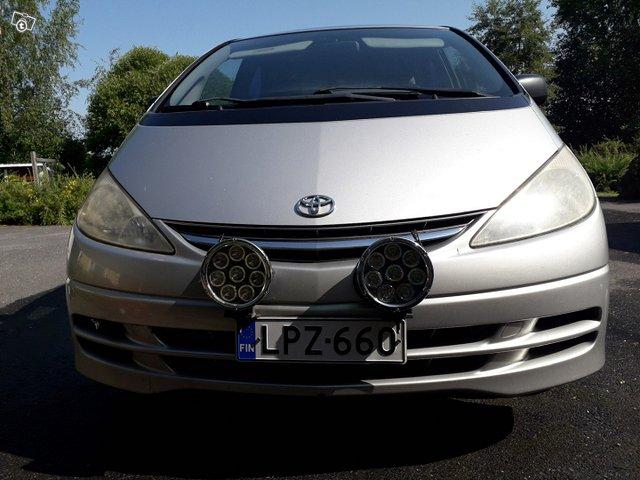 Toyota Previa, kuva 1
