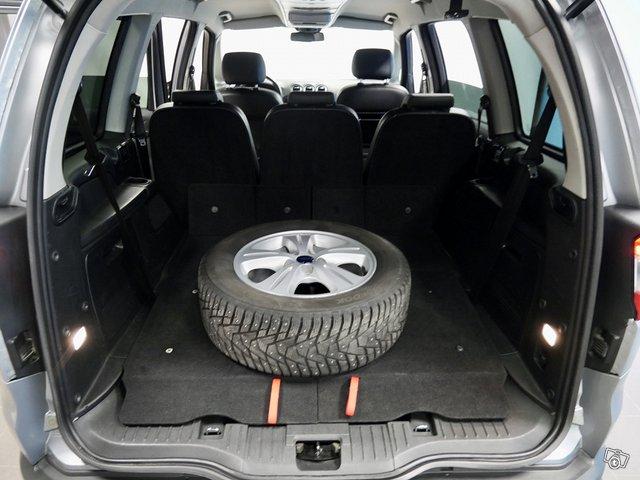 Ford Galaxy 11