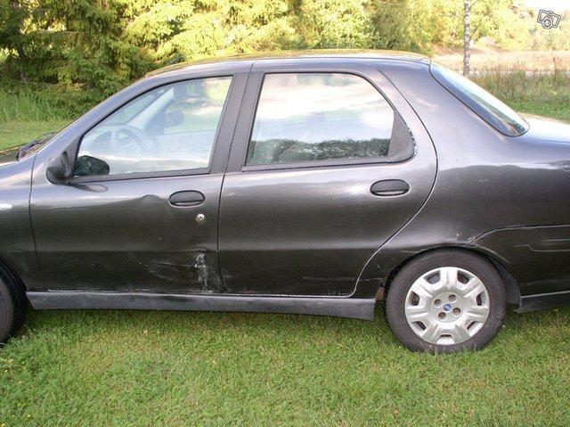 Fiat Albea 5
