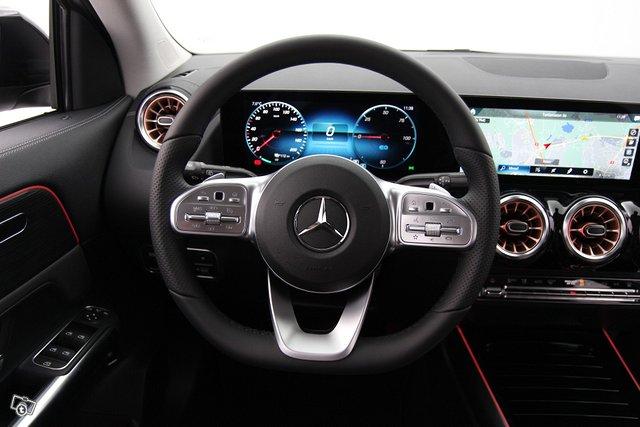 Mercedes-Benz EQA 12