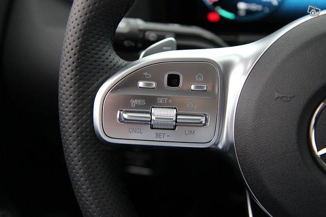 Mercedes-Benz EQA 13